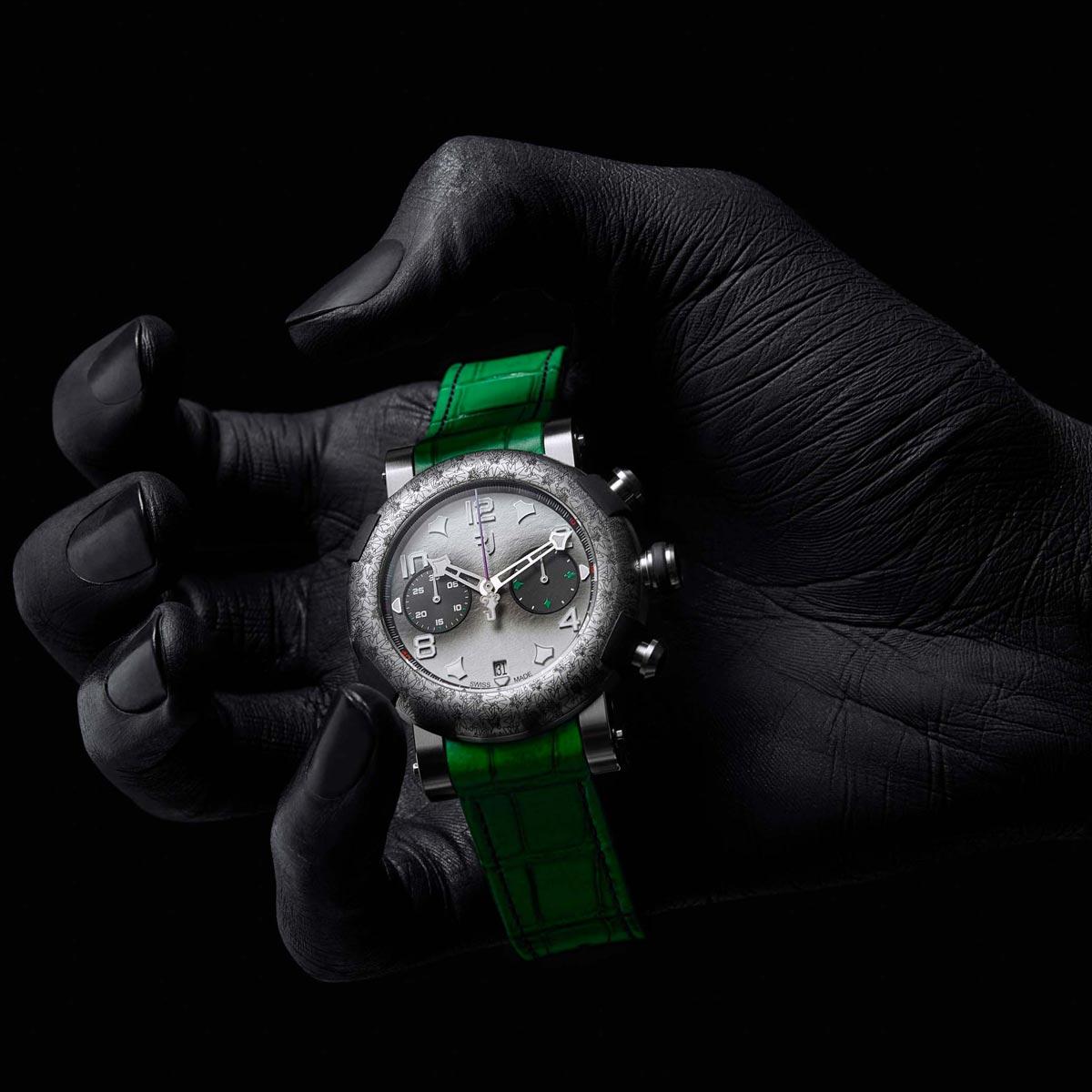 La Cote des Montres : Photo - RJ Arraw Villain The Joker Titanium