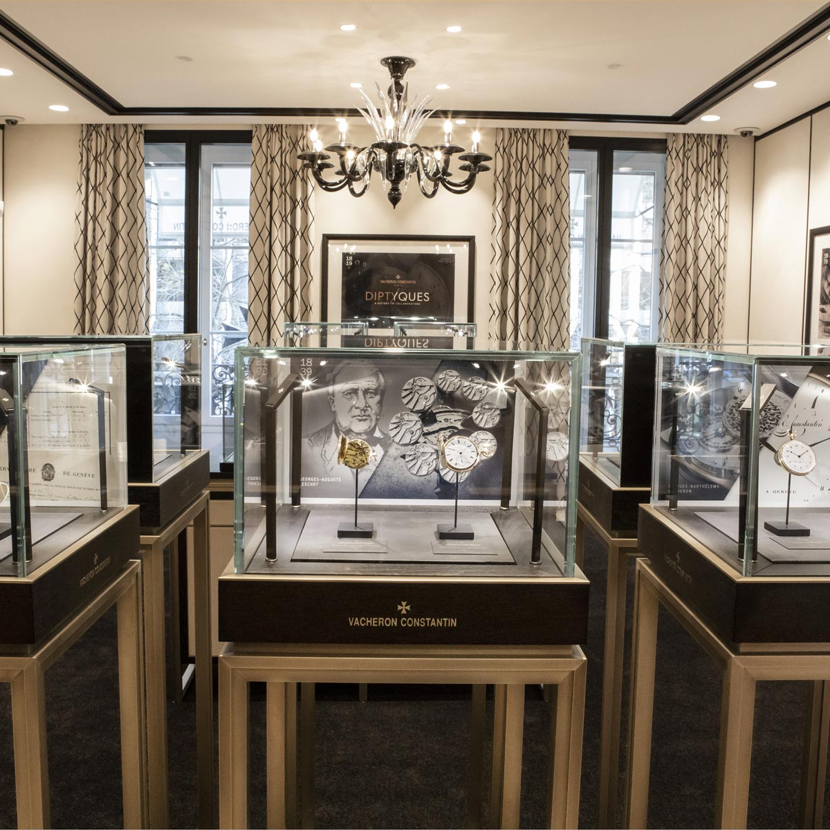 La Cote des Montres : Photo - Vacheron Constantin expose à Genève « Diptyques » a History of Collaborations