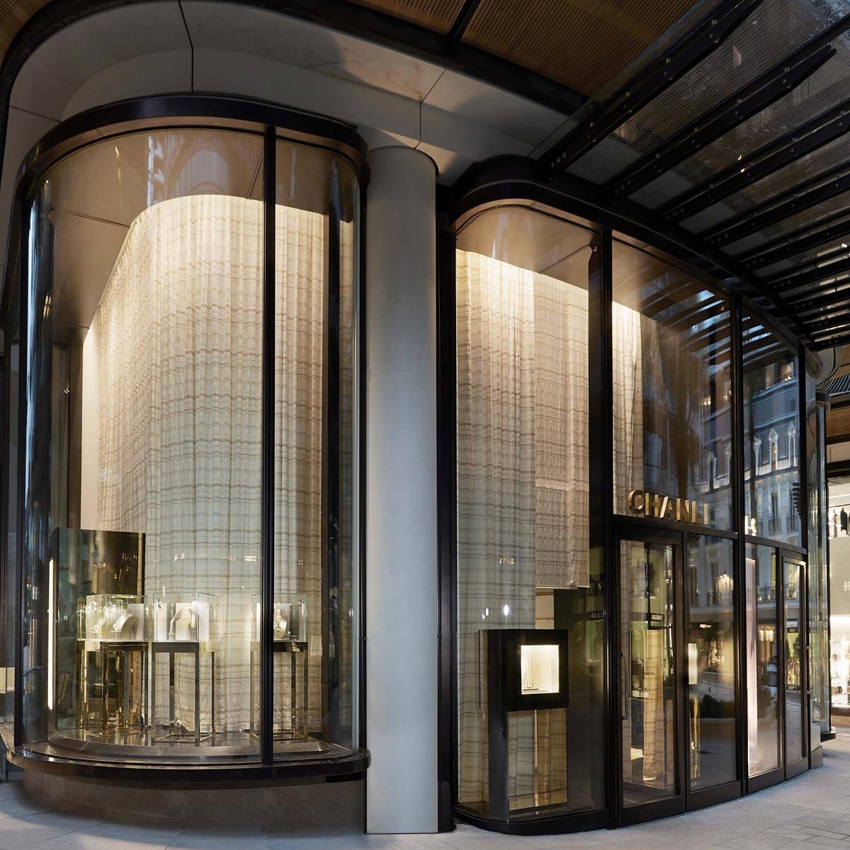 La Cote des Montres : Photo - CHANEL ouvre une double boutique à Monaco