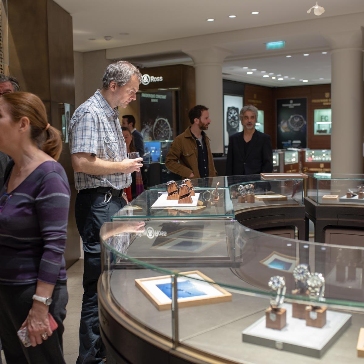 La Cote des Montres : Photo - Oris Divers Sixty-Five Chronograph Bucherer Blue Editions