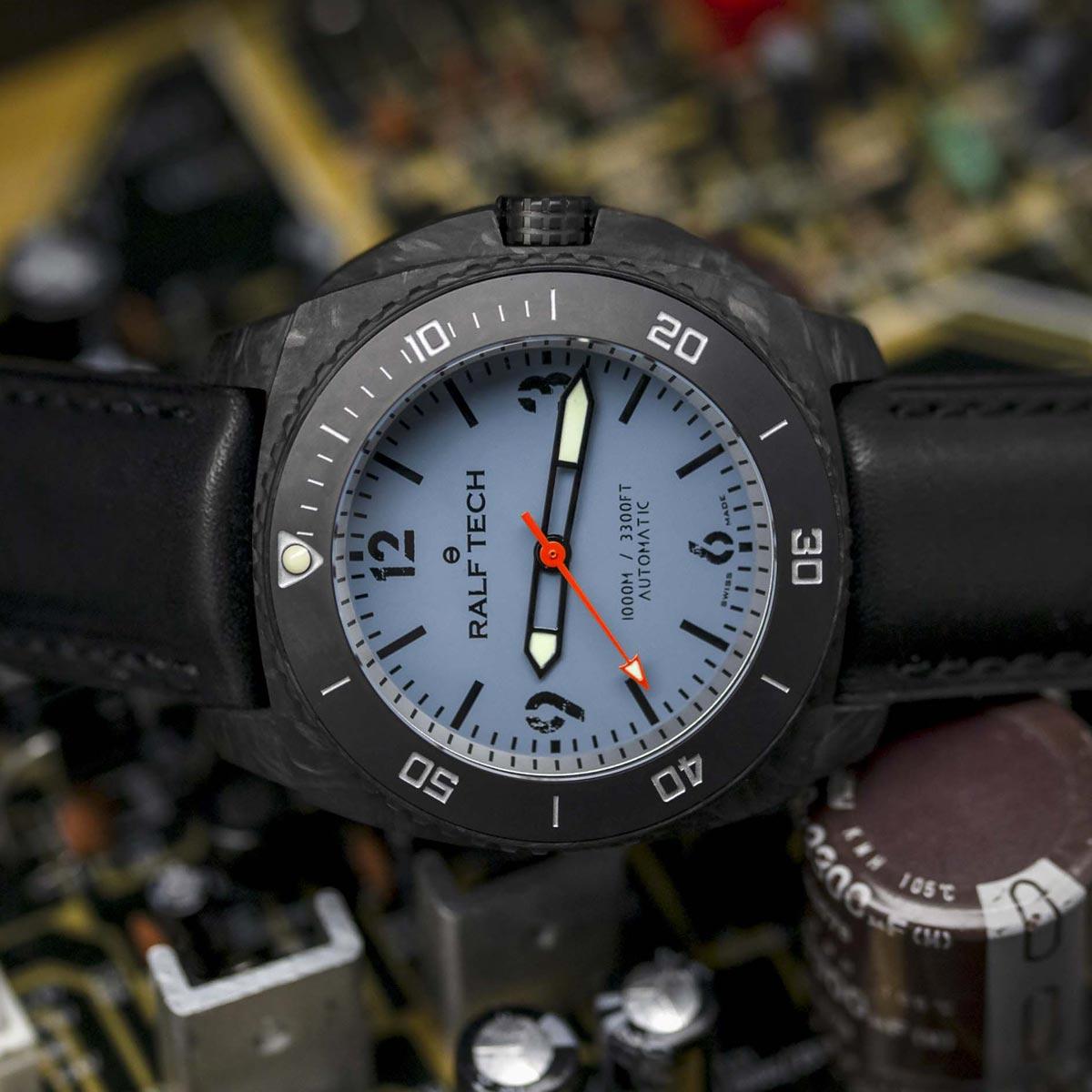 La Cote des Montres : Photo - RALF Tech WRX Carbon TechBlue