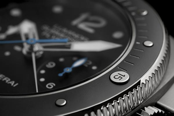 Panerai Luminor Submersible 1950 3 Days Chrono Flyback Automatic Titanio � 47Mm