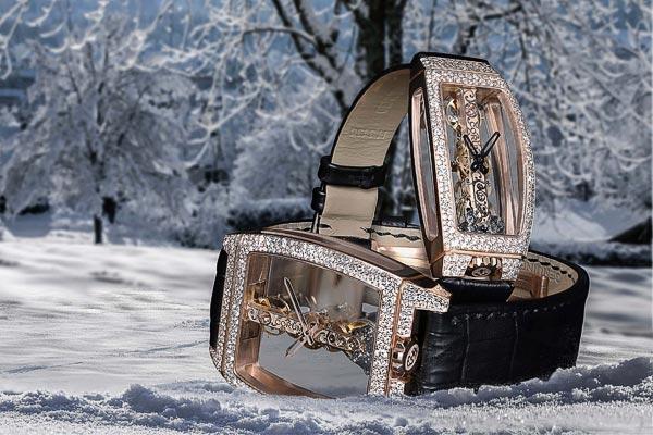 Pour Noël, Corum met ses Golden Bridge sous la neige