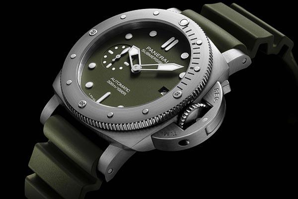 Panerai Submersible Verde Militare - 42 MM